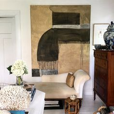Nine months ago, William Rankin McLure quit his job with Birmingham architect, Bill Ingram, to focus on his own career as an artist. Interior Design Vignette, Interior Design Tips, Interior Inspiration, Interior Decorating, Pretty Things, Masculine Room, Monochromatic Room, Front Rooms, Love Your Home