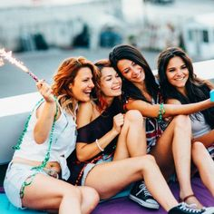 Sarcastic Women Make The Best Friends, Hands Down