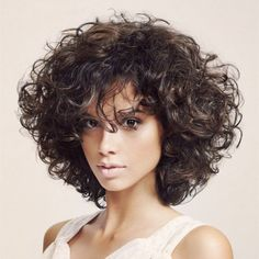 25 Short Curly Hairstyles for Women: Best Curly Haircuts - Neueste Frisuren Haar 2018 - Best Curly Haircuts, Short Curly Hairstyles For Women, Curly Hair Styles, Curly Hair Cuts, Curly Bob Hairstyles, Wavy Hair, Medium Hair Styles, Natural Hair Styles, Hairstyles 2018