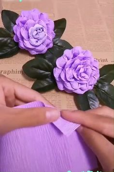 Set of 5 Paper Flowers, Paper Roses, nursery decor, wall decor decor Diy Home Crafts, Diy Arts And Crafts, Creative Crafts, Diy Craft Projects, Fun Crafts, Creative Ideas, Craft Stick Crafts, Sewing Crafts, Paper Flowers Craft