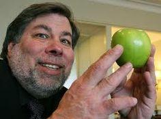 Steve Jobs marketed Apple but Steve Wozniak invented it! Steve Wozniak, Steve Jobs, Windows Phone, Interview, Computer Engineering, Samsung, Apple Inc, Mobile Technology, Beautiful Mind