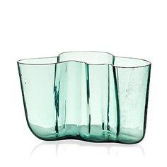ALVAR AALTO - 'Savoy' glass vase model 9750 by Karhula Glassworks, in production Finland. [Blown into a wooden mould, h. Alvar Aalto, Glass Design, Design Art, Wine Glass, Glass Art, Tom Dixon, Antique Auctions, Nordic Design, Bukowski