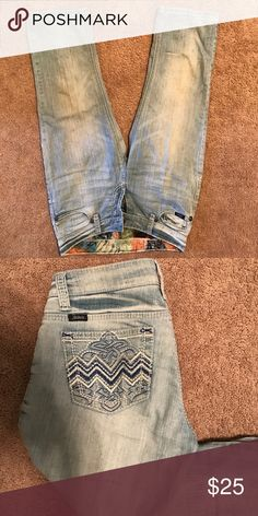 Adiktd cropped jeans Only worn a couple of times. Great condition adiktd Pants Ankle & Cropped
