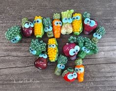 Eat more meat – lampwork beads by Lori Peterson (Lori&Kim) – Hobbies paining body for kids and adult Polymer Beads, Polymer Clay Crafts, Clay Beads, Lampwork Beads, Beads Of Courage, How To Make Beads, Bead Crafts, Bead Art, Glass Art