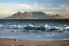 Bloubergstrand beach offers one of the most beautiful views of table mountian. Cape Town Photography, Table Mountain Cape Town, Mountain View, Travel Around The World, Around The Worlds, African Artwork, Cape Town South Africa, Mountain Paintings, Most Beautiful Cities