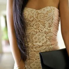 ❤ this dress! Love lace.