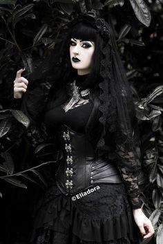 Model/MUA: Elladora Photographer: Tog and the Retoucher Necklace: Wonderlandmc Veil: Sinister / The Gothic Shop Welcome to Gothic and Amazing |www.gothicandamazing.com