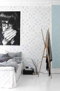 blanc, noir, gris, bleu clair