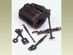 Locks and keys found by archaeologists at 16-22 Coppergate (York, England).
