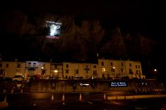 Our projection onto the White Cliffs of Dover on the chilly and blustery evening of 6th November helped to raise awareness of the cruel trade of live exports. Backed by 4,000 Compassion supporter donations, and local action groups, KAALE (Kent Action Against Live Exports) and TALE (Thanet Against Live Exports), we caused quite a stir on the roads of Dover! (C) drewphotography/CIWF
