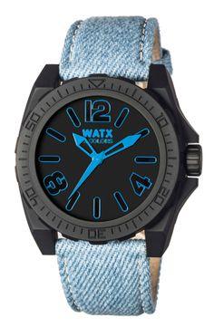 Adira ao look ganga com a Watx&Colors Blackout Jeans