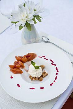 Samovar Restaurant, Ibiza restaurant - White Ibiza. Photography by Sofia Gomez Fonzo