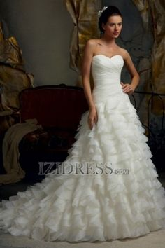 A-Line Strapless Sweetheart Chiffon Wedding Dress - IZIDRESS.com