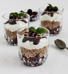Other Recipes, My Recipes, Cookie Recipes, Dessert Recipes, Desserts In A Glass, Sweet Desserts, Mousse, Chia Puding, Parfait Recipes