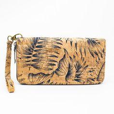 www.havspring.no Clutch, Bow Ties, Bags, Fashion, Handbags, Moda, Fashion Styles, Butterfly, Fashion Illustrations