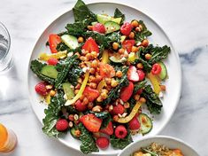 Make This Kale Salad With Spiced Chickpeas and Berries Your Bring-to-Work Lunch Recipe - Cooking Light Healthy Snacks, Healthy Eating, Clean Eating, Healthy Recipes, Chickpea Recipes, Stay Healthy, Veggie Recipes, Diet Recipes, Sauces