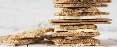 Havermout crackers met sesamzaad recept Krispie Treats, Rice Krispies, Tapas, Lchf, Cereal, Low Carb, Cookies, Breakfast, Desserts