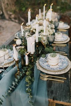 Eye Candy: 10 Unique Thanksgiving Tablescapes To Inspire You
