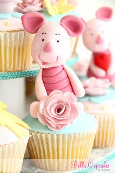 winnie the pooh-piglet Cupcakes Pretty Cupcakes, Yummy Cupcakes, Cupcake Art, Cupcake Cookies, Cupcake Ideas, Cupcake Toppers, Beautiful Cakes, Amazing Cakes, Cake Pops
