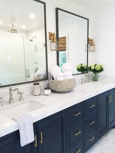 Awesome Modern Farmhouse Bathroom Decor Ideas Cabinets Design - nellwyn news Coastal Bathroom Decor, Bathroom Mirror Design, Master Bedroom Bathroom, Modern Farmhouse Bathroom, Bathroom Interior, Budget Bathroom, Bathroom Renovations, Bathroom Ideas, Blue Bathroom Vanity