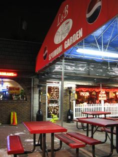 Spumoni Gardens, 2725 86th Street, Bensonhurst, Brooklyn...summertime ritual: Eating Pizza and Spumoni, outside