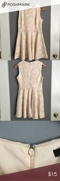 Floral Lace Dress Nude/cream colored Lace, floral patterned dress. Size Medium (juniors). Worn only once for graduation. Excellent used condition. Forever 21 Dresses