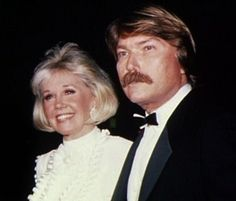 Doris Day Current Images Of Her | ... « DISCOVERING DORIS – The longest running Doris Day fan website
