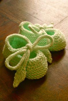 a knitting bear ...