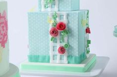 Beautiful Garden Trellis Cake Tutorial