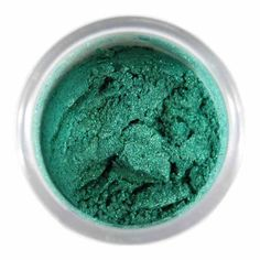 - deep emerald luster dust adds a high sheen metallic finish and a hint of color to just about any of your homemade goodies! - Ideal for use with gum paste, fondant, and cookies. Please note: created