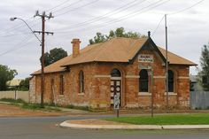 Abandoned bank building in Cue. 18 May Meekatharra. South Australia, Western Australia, Australia Travel, Abandoned Churches, Abandoned Places, Banks Building, Historical Pictures, The Good Place, History