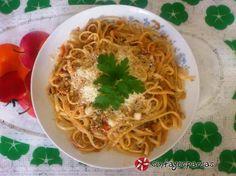 Λιγκουίνι με τόνο και σάλτσα ούζου #sintagespareas #zimarikametono Pasta Recipies, Greek Recipes, Crepes, I Foods, Ethnic Recipes, Pancakes, Greek Food Recipes