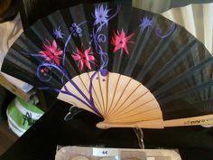 Alma de Almagro  Abanico pintado a mano motivo Flores  $13