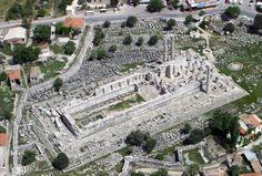 The temple of Apollo didyma.