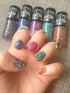 This weeks nail art inspiration? Composition books..if they were covered in glitter! (cc: Maybelline New York)