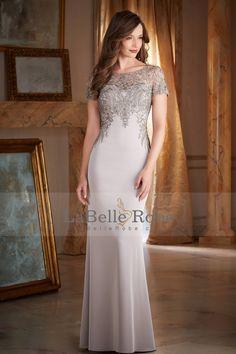 2016 robes de soirée manches courtes gaine de broderies et perles satin
