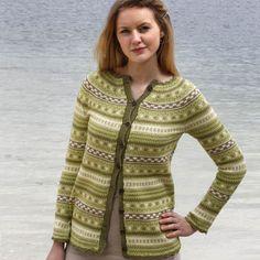 En skjønn småmønstret jakke, strikket i Luxor bomullsgarn.  Str.: S – M – L Farge 1: 17319 eplegrønn: 350…