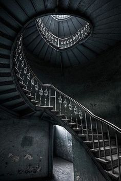 37. #Black - 47 Amazing #Staircases You'll Want to Climb ... → #Lifestyle […