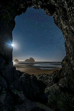 Tunnel Vision – Amazing Pictures - Amazing Travel Pictures with Maps for All Around the World Beautiful World, Beautiful Places, Cool Pictures, Beautiful Pictures, Travel Pictures, Special Pictures, Pictures Images, Wild Atlantic Way, Cannon Beach