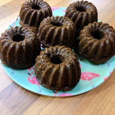 Csupa csokis meggyes muffin Doughnut, Muffin, Desserts, Food, Tailgate Desserts, Deserts, Muffins, Meals, Dessert