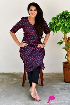 Race Pony Kurti with Cigarette Pants Simple Kurta Designs, Kurti Neck Designs, Kurta Designs Women, Kurti Designs Party Wear, Salwar Designs, Dress Indian Style, Indian Dresses, Indian Outfits, Office Wear Women Work Outfits