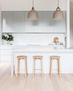 Furniture Nice 50 Minimalist Bar Stool Ideas for Small Kitchen Bar - Having a kitchen with a small b Home Decor Kitchen, Interior Design Kitchen, Home Kitchens, Nordic Kitchen, Kitchen Ideas, Small Kitchen Bar, Kitchen Dining, Kitchen Bars, Kitchen With Bar Counter