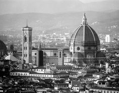 https://www.etsy.com/listing/172886507/duomo-florence-italy-black-and-white?ref=shop_home_active_16