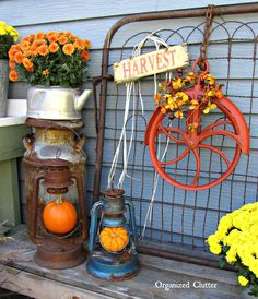 Holiday & Seasonal Junk Decorating www.organizedclutterqueen.blogspot.com