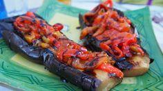 Berenjenas con majado de tomate y ajo asado