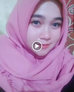 Beautiful Hijab Girl Loving You Forever - Sweety Jilbab Arab Girls Hijab, Girl Hijab, Video Hijab, Beautiful Hijab Girl, Girls Phone Numbers, Islamic Girl, Hijab Fashion, Wonder Woman, Female