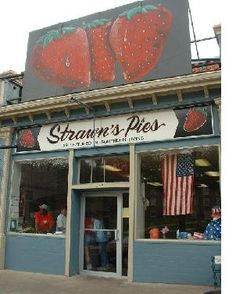 NORTH LOUISIANA, SHREVEPORT -Strawn's Eat Shop -  The best strawberry pie ever, no question.  I'm partial to the original location on Kings Hwy.  It's a Shreveport institution.