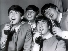 http://images5.fanpop.com/image/photos/27700000/the-beatles-cute-60s-music-27747908-1600-1200.jpg