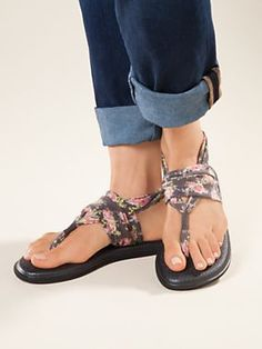 Women's Sanuk Yoga Sling Print Sandals are soft, cushy and comfortable! Made from real yoga mats, in cute prints for prancing around in cool summer style. Shop women's sandals at Sahalie. Yoga Sandals, Sanuk Sandals, Sanuk Shoes, Sexy Sandals, Cute Shoes, Me Too Shoes, Cowgirl Chic, All About Shoes, Summer Shoes