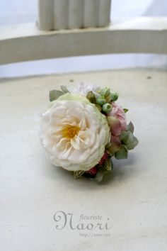 corsages ローズと紫陽花 2014 Dried Flowers, Silk Flowers, Fabric Flowers, Handmade Flowers, Artificial Flowers, Flower Arrangements, Card Making, Diy Projects, Paper